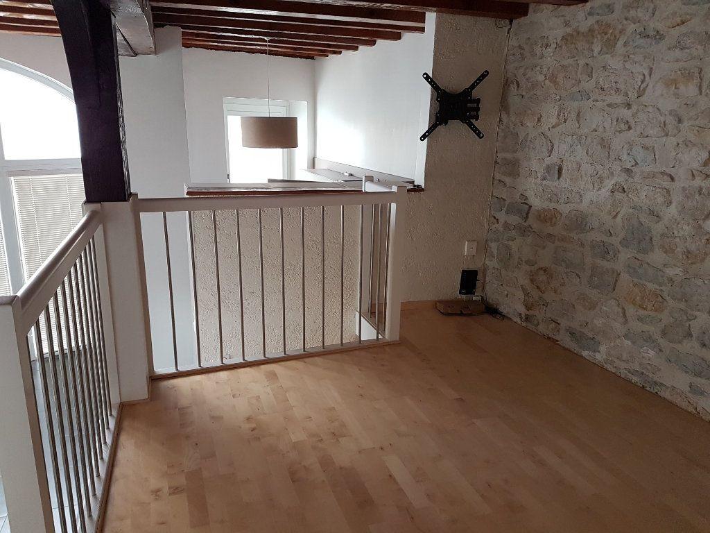 Appartement à vendre 4 101m2 à Saint-Jean-de-Gonville vignette-5