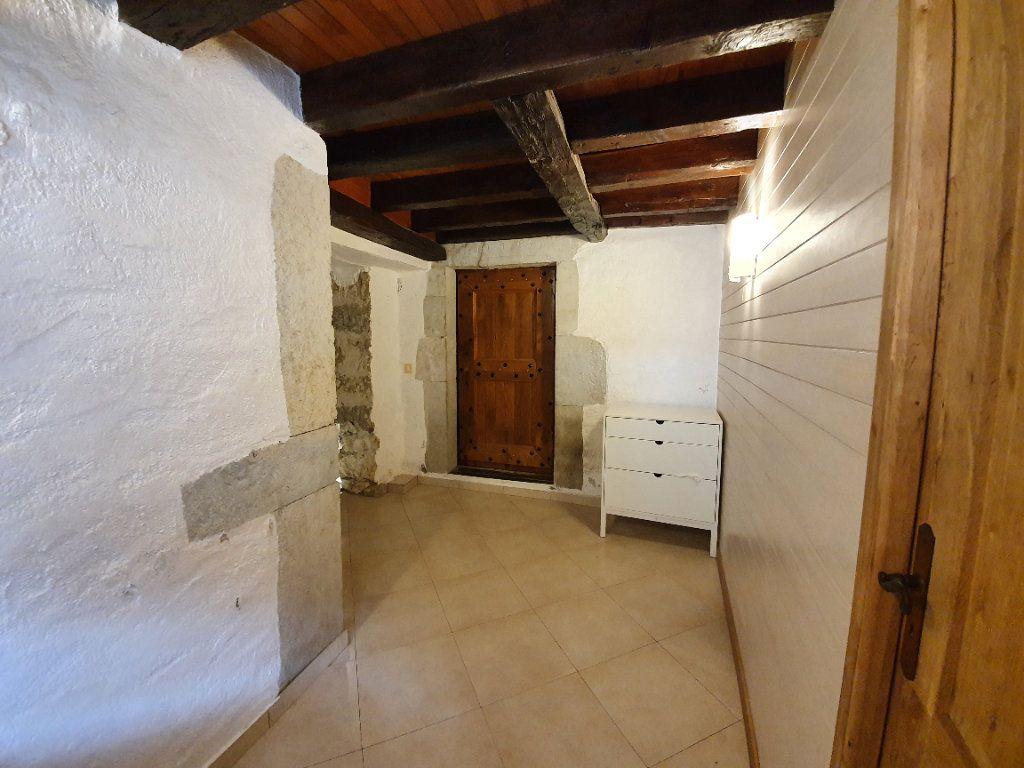 Appartement à vendre 4 101m2 à Saint-Jean-de-Gonville vignette-6