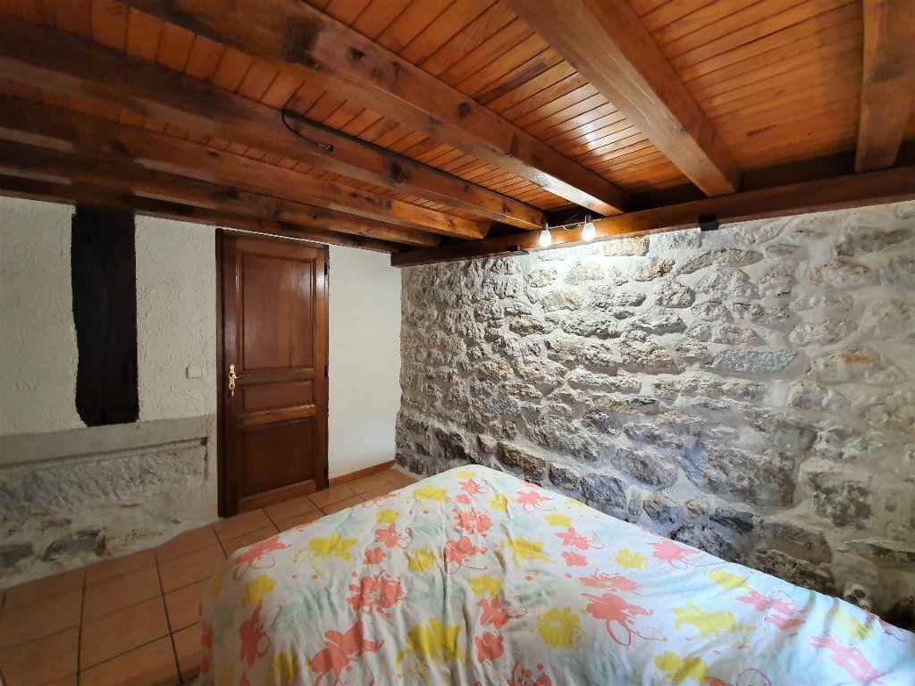 Appartement à vendre 4 101m2 à Saint-Jean-de-Gonville vignette-7