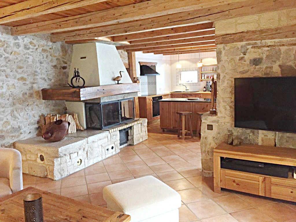 Maison à vendre 9 209m2 à Champfromier vignette-1