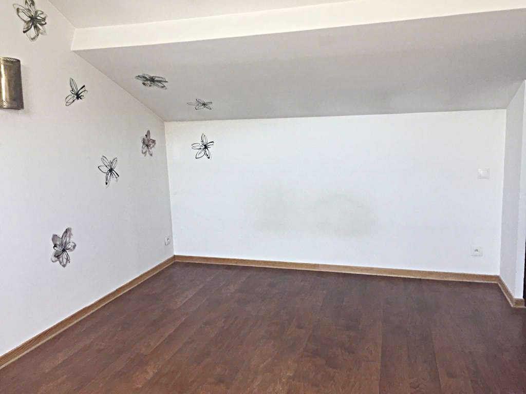 Maison à vendre 6 110m2 à Châtillon-en-Michaille vignette-4