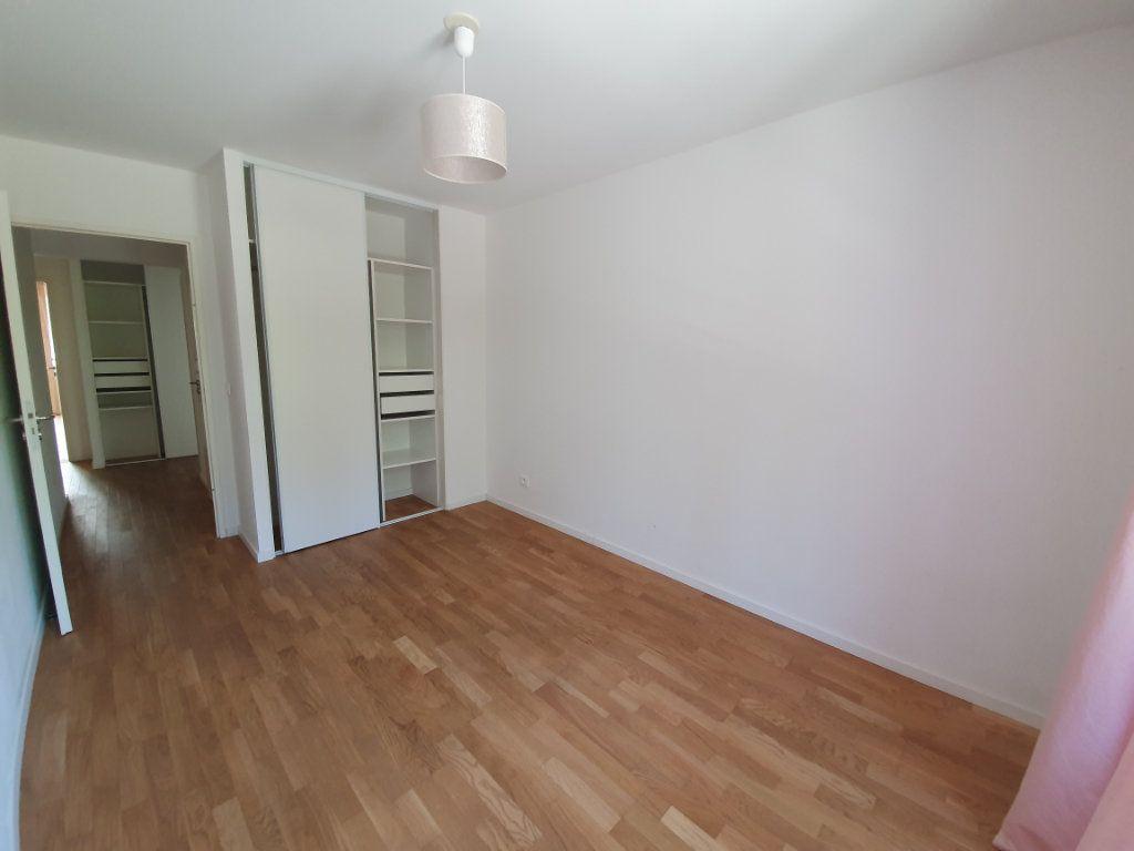 Appartement à vendre 4 85.33m2 à Ferney-Voltaire vignette-4