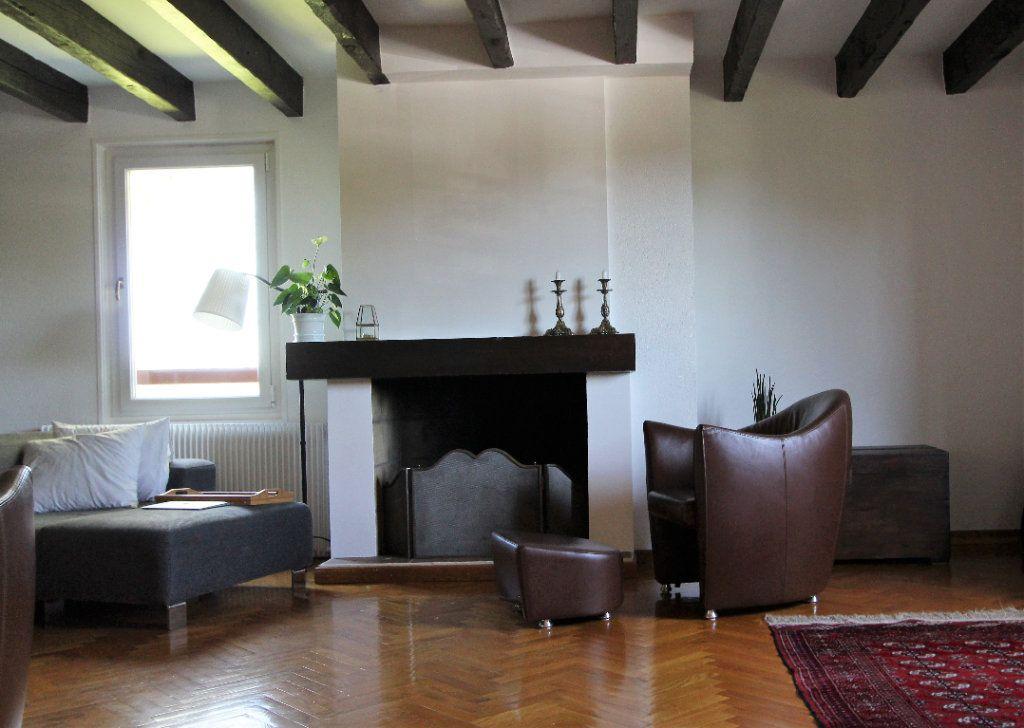 Appartement à vendre 4 140m2 à Ferney-Voltaire vignette-5