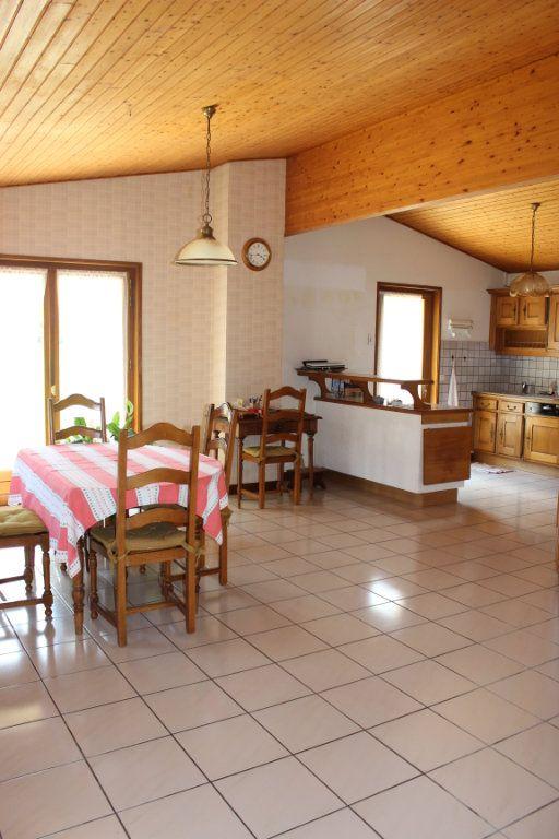 Maison à vendre 7 170m2 à Thoiry vignette-6
