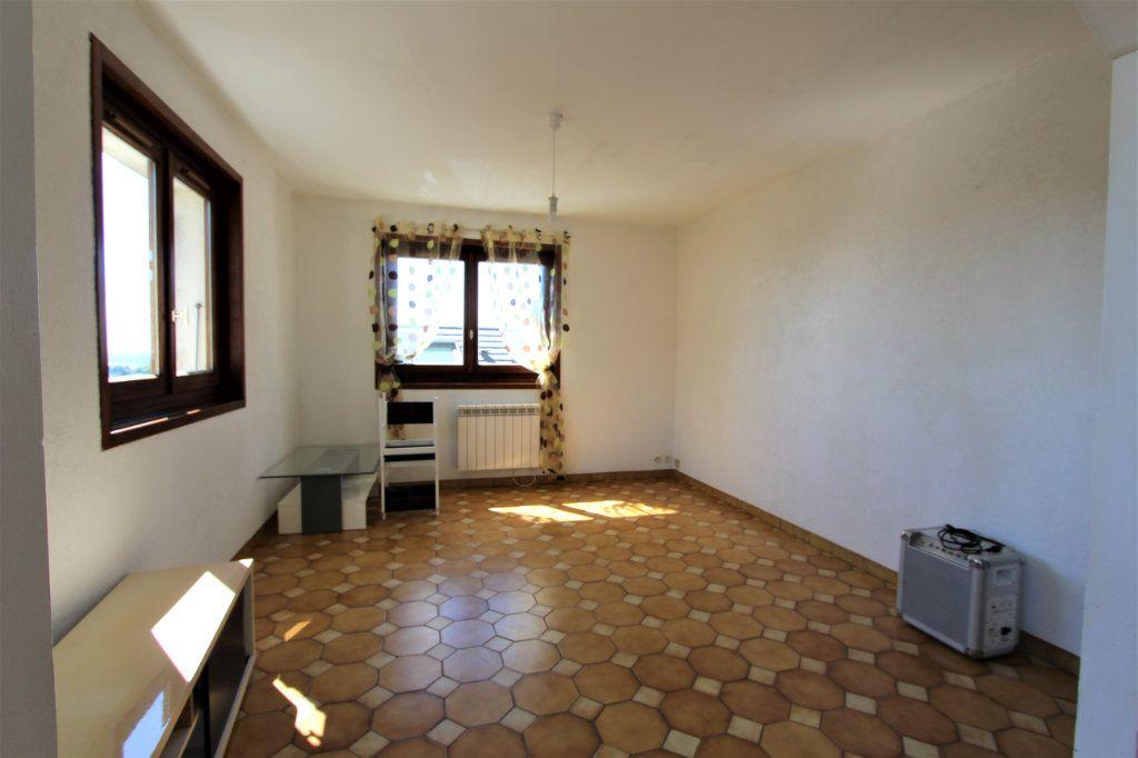 Maison à vendre 11 260m2 à Saint-Jean-de-Gonville vignette-3