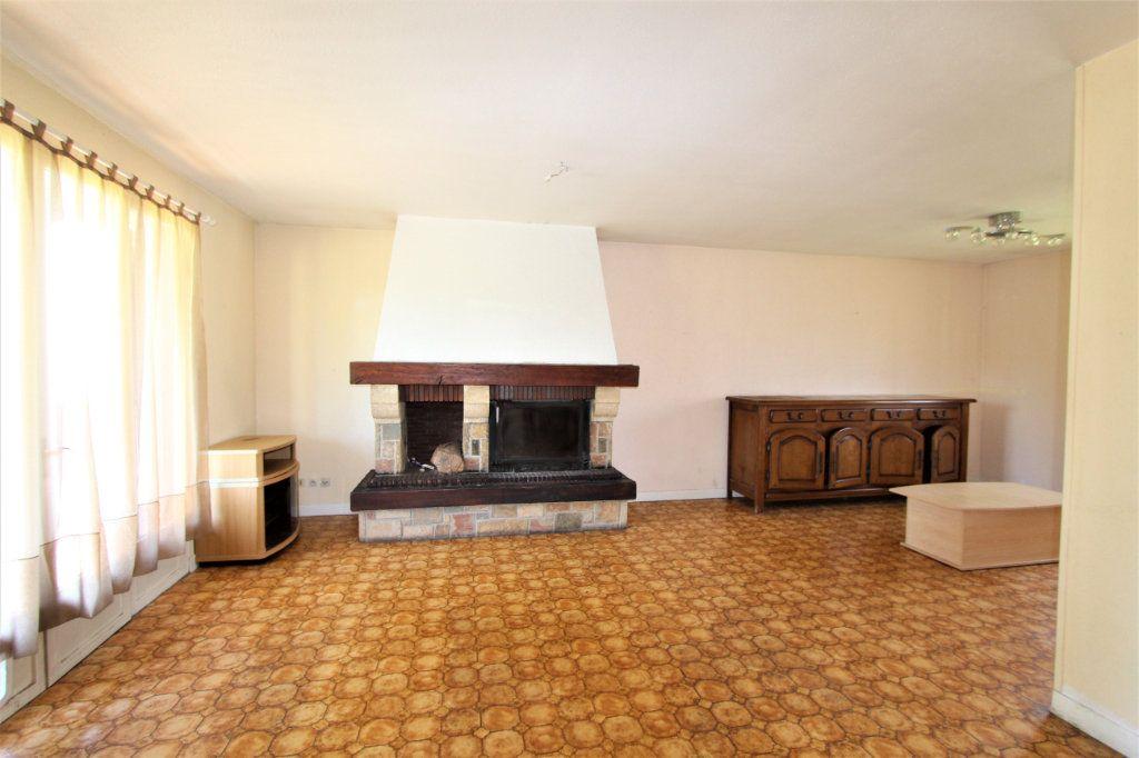 Maison à vendre 5 180m2 à Saint-Genis-Pouilly vignette-3