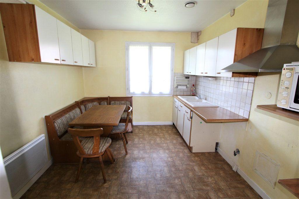 Maison à vendre 5 180m2 à Saint-Genis-Pouilly vignette-4