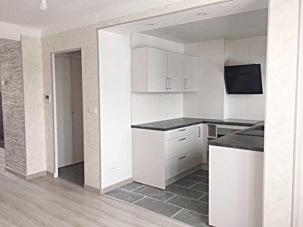 Appartement à vendre 3 62.82m2 à Bellegarde-sur-Valserine vignette-2