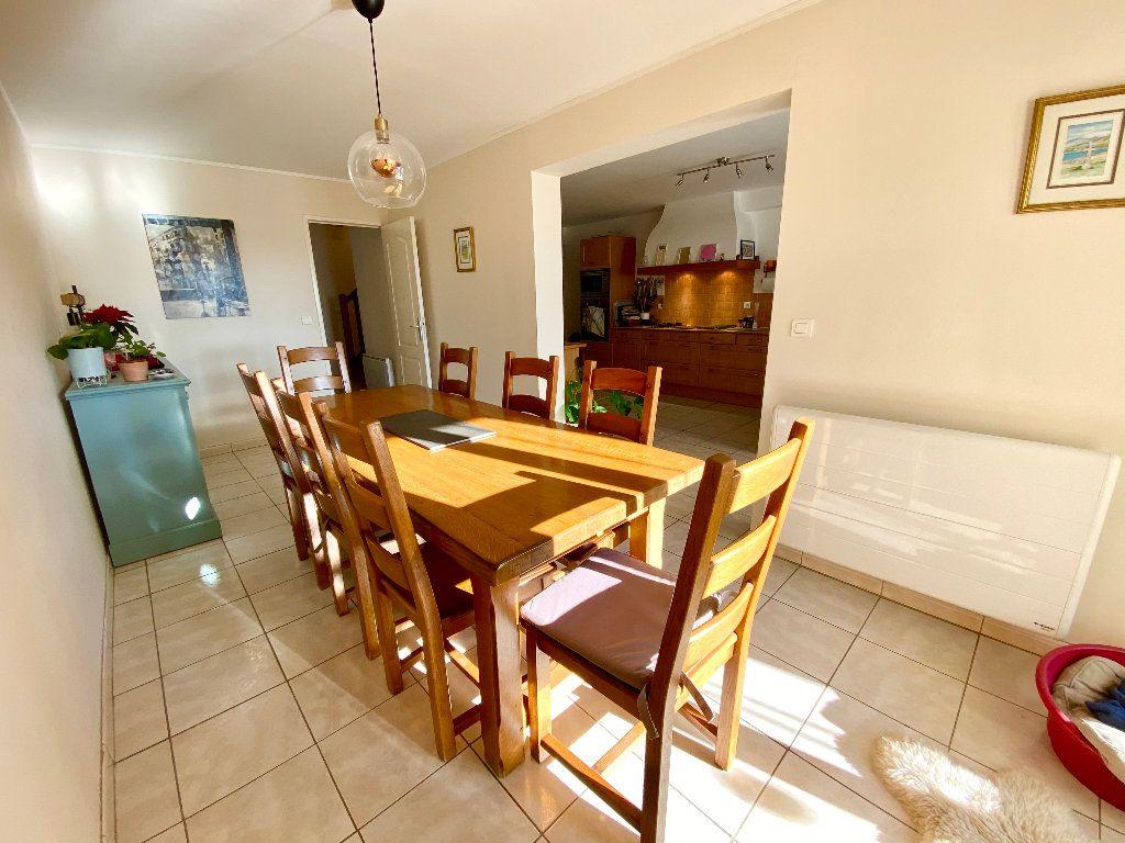 Maison à vendre 8 205m2 à Chevry vignette-6