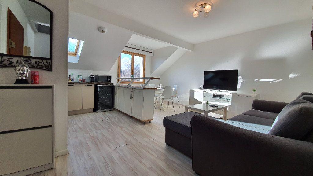 Appartement à vendre 2 43.68m2 à Grilly vignette-3