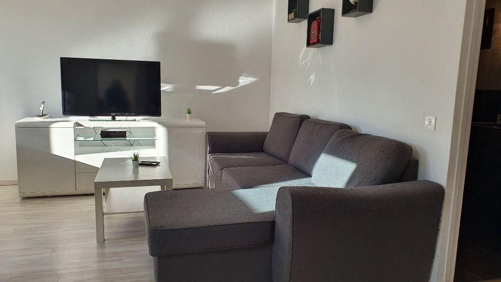 Appartement à vendre 2 43.68m2 à Grilly vignette-4