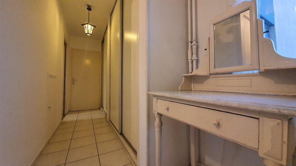 Appartement à vendre 3 75.66m2 à Saint-Genis-Pouilly vignette-5