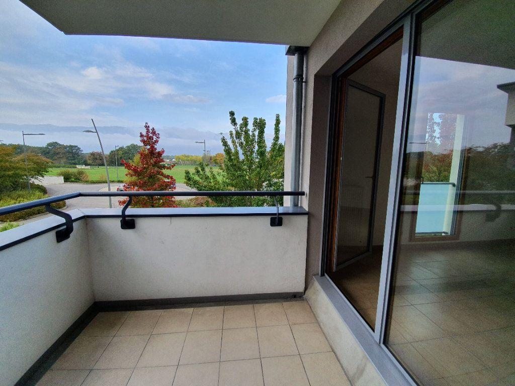 Appartement à vendre 3 77.2m2 à Prévessin-Moëns vignette-2