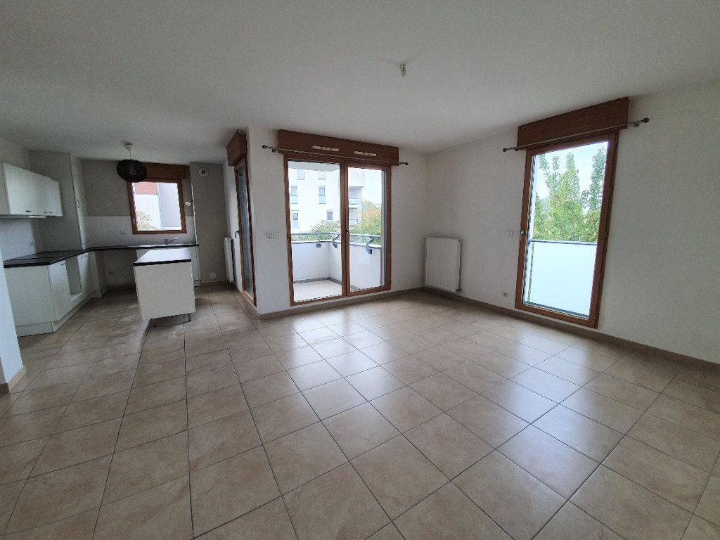 Appartement à vendre 3 77.2m2 à Prévessin-Moëns vignette-3