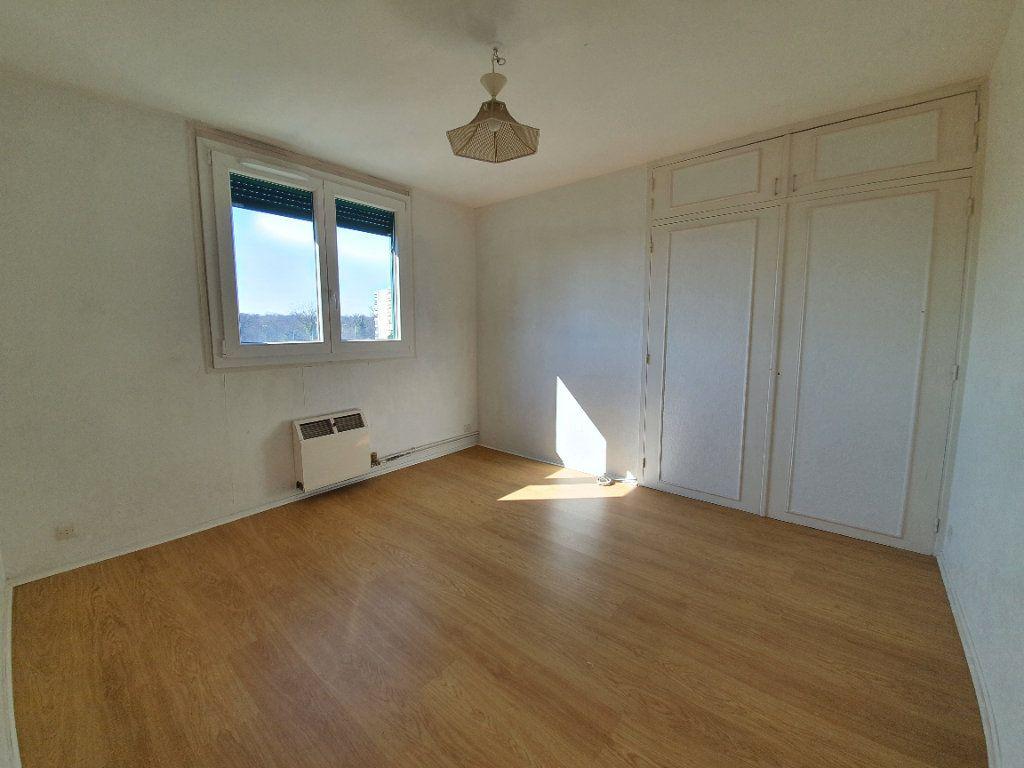 Appartement à vendre 3 69m2 à Ferney-Voltaire vignette-6