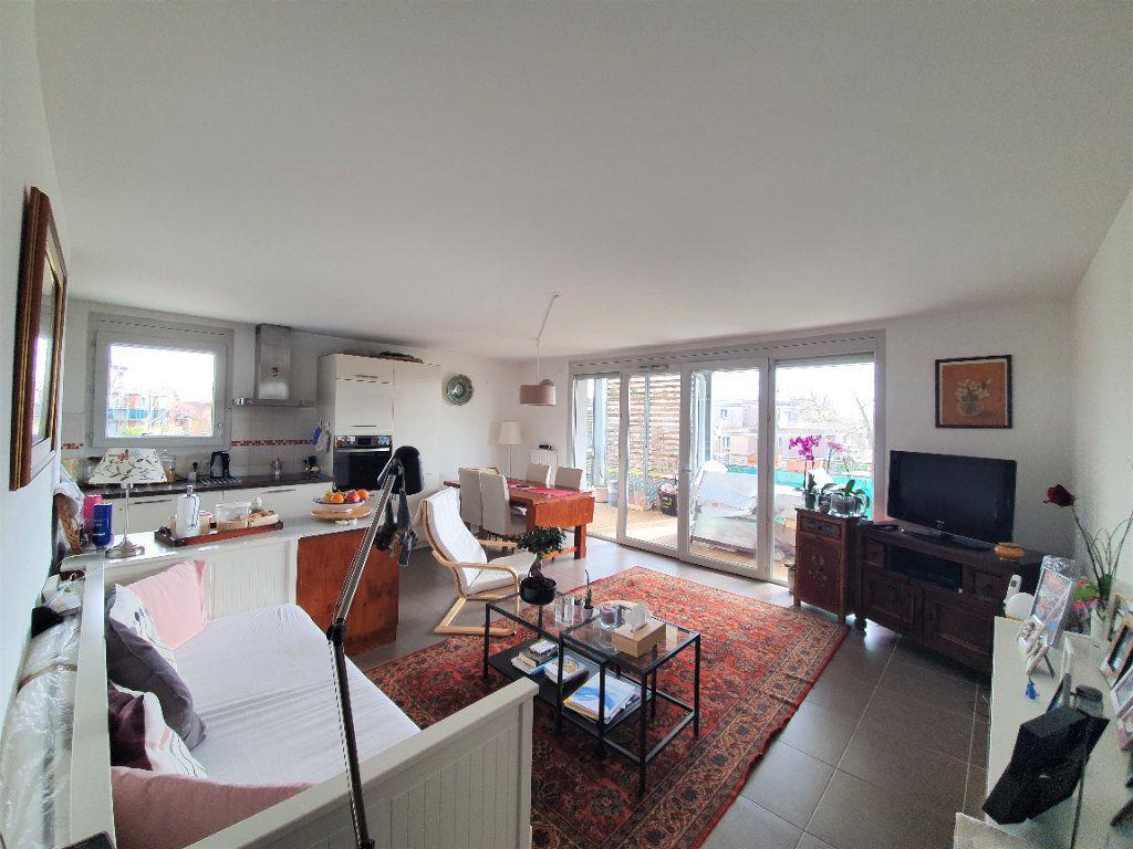 Appartement à vendre 3 68.3m2 à Prévessin-Moëns vignette-1