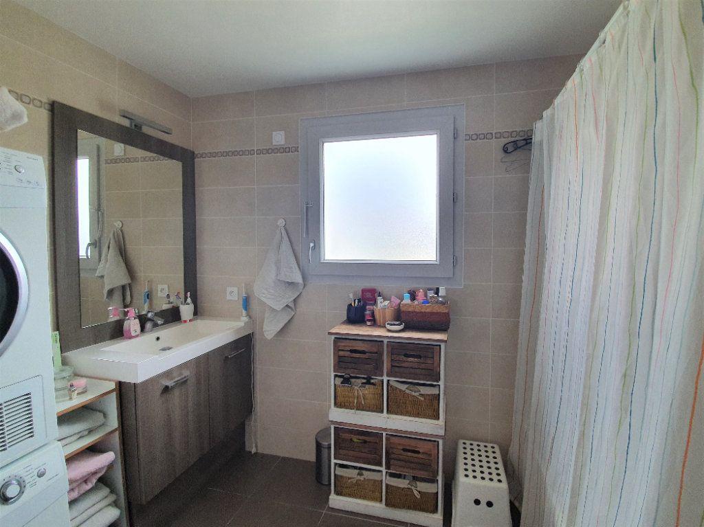 Appartement à vendre 3 68.3m2 à Prévessin-Moëns vignette-7