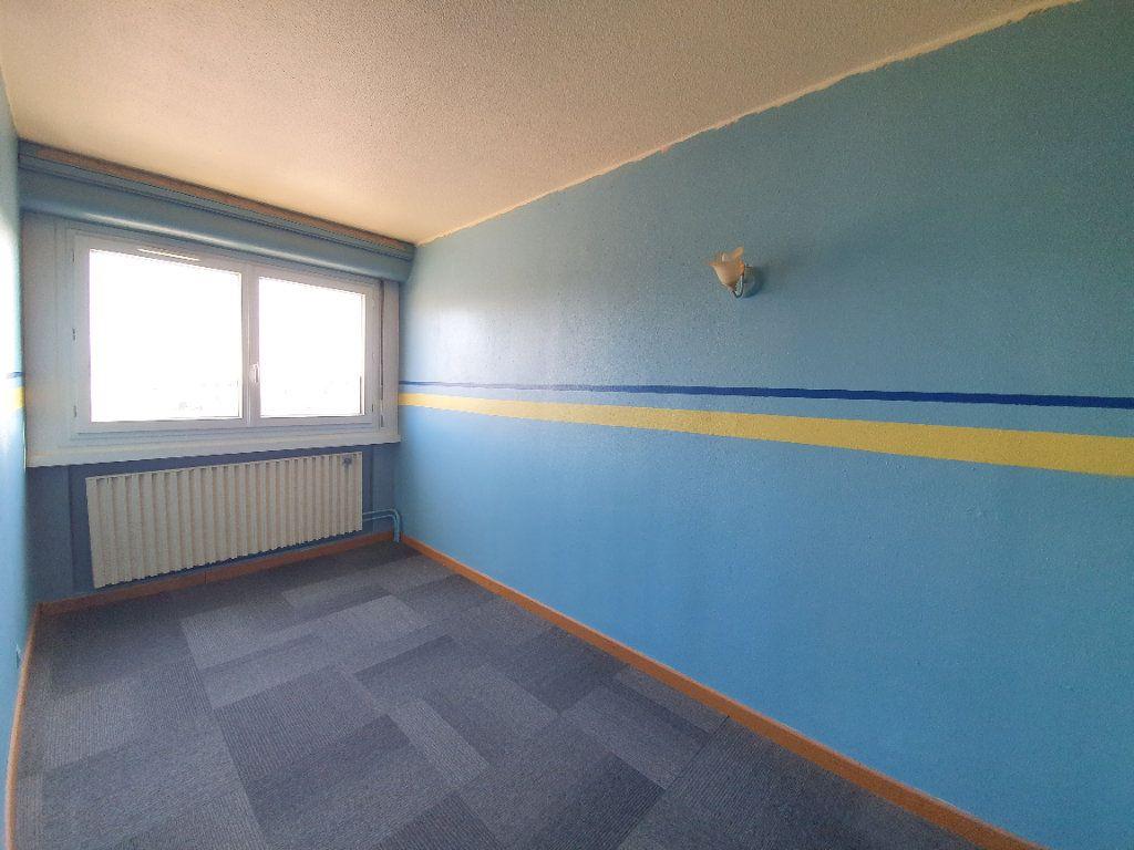 Appartement à vendre 3 71m2 à Ferney-Voltaire vignette-6
