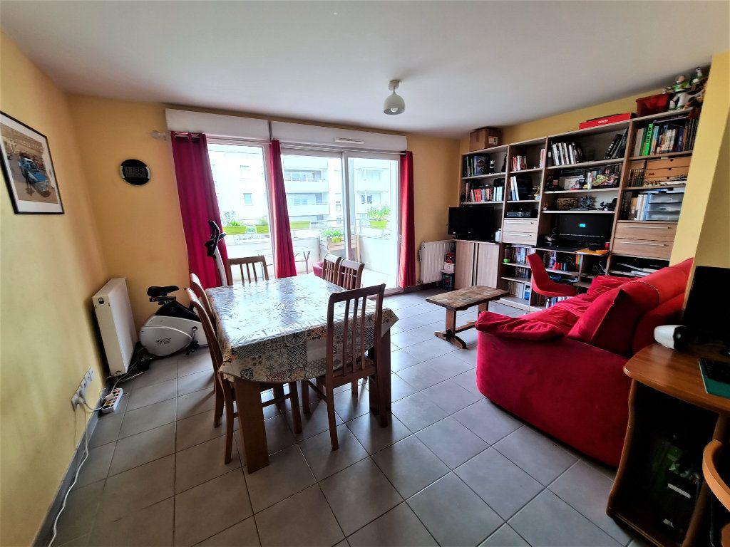 Appartement à vendre 4 86.26m2 à Saint-Genis-Pouilly vignette-2