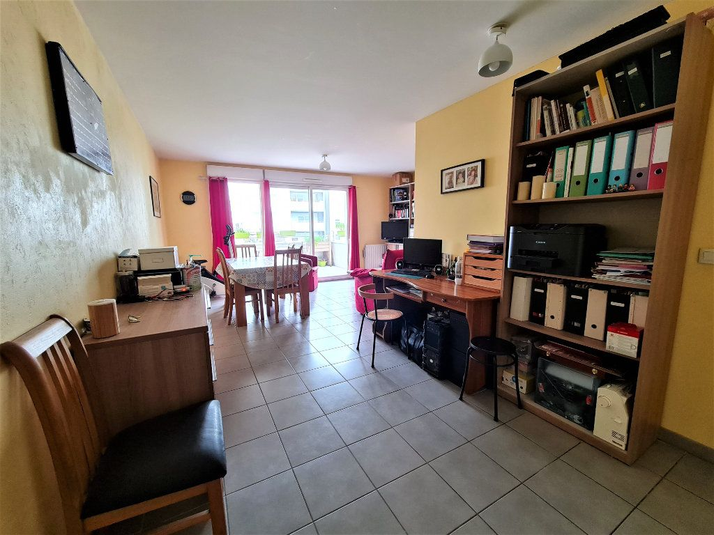 Appartement à vendre 4 86.26m2 à Saint-Genis-Pouilly vignette-3