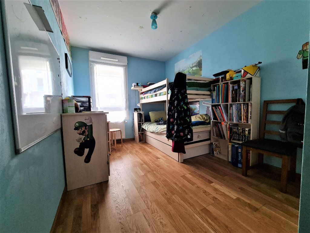 Appartement à vendre 4 86.26m2 à Saint-Genis-Pouilly vignette-6