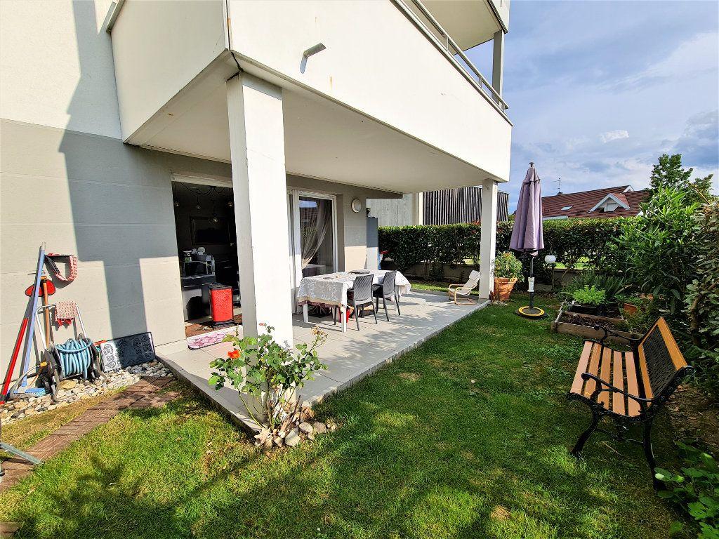 Appartement à vendre 4 80.25m2 à Saint-Genis-Pouilly vignette-2