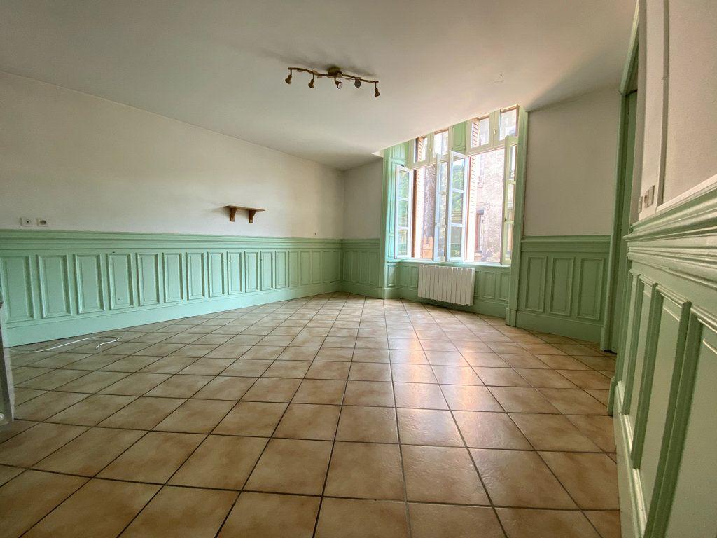 Appartement à louer 4 100.7m2 à Molompize vignette-4