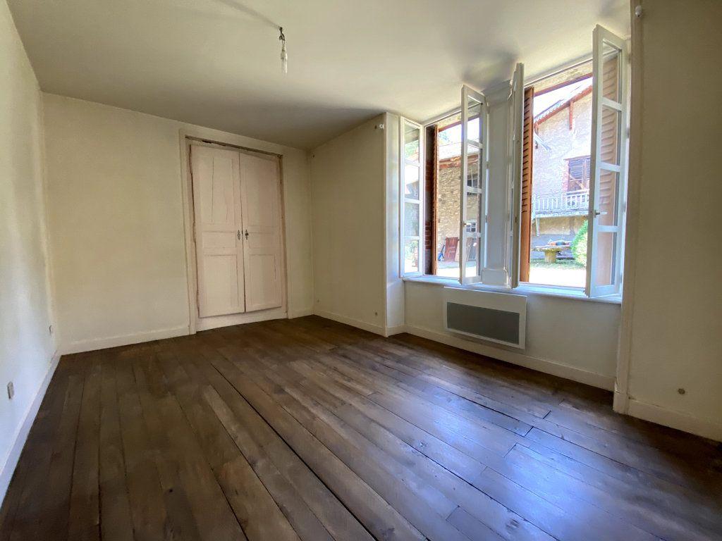 Appartement à louer 4 100.7m2 à Molompize vignette-5