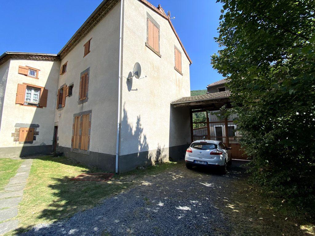 Appartement à louer 4 100.7m2 à Molompize vignette-8