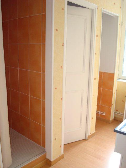 Appartement à louer 1 38m2 à Saint-Flour vignette-3