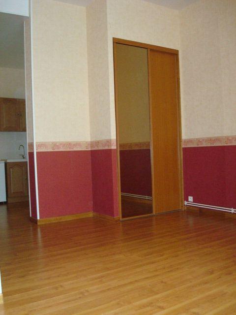 Appartement à louer 1 38m2 à Saint-Flour vignette-4