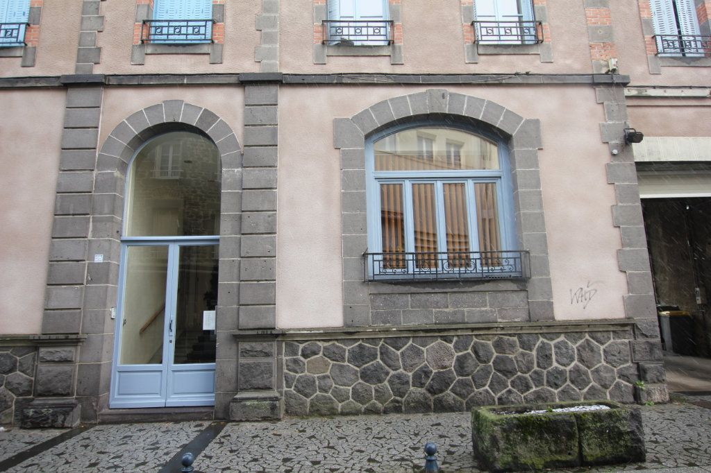 Appartement à louer 1 38m2 à Saint-Flour vignette-5