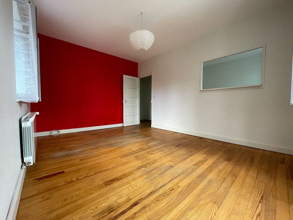 Appartement à louer 2 41m2 à Neussargues-Moissac vignette-1