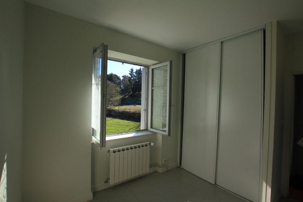 Appartement à louer 2 41m2 à Neussargues-Moissac vignette-3