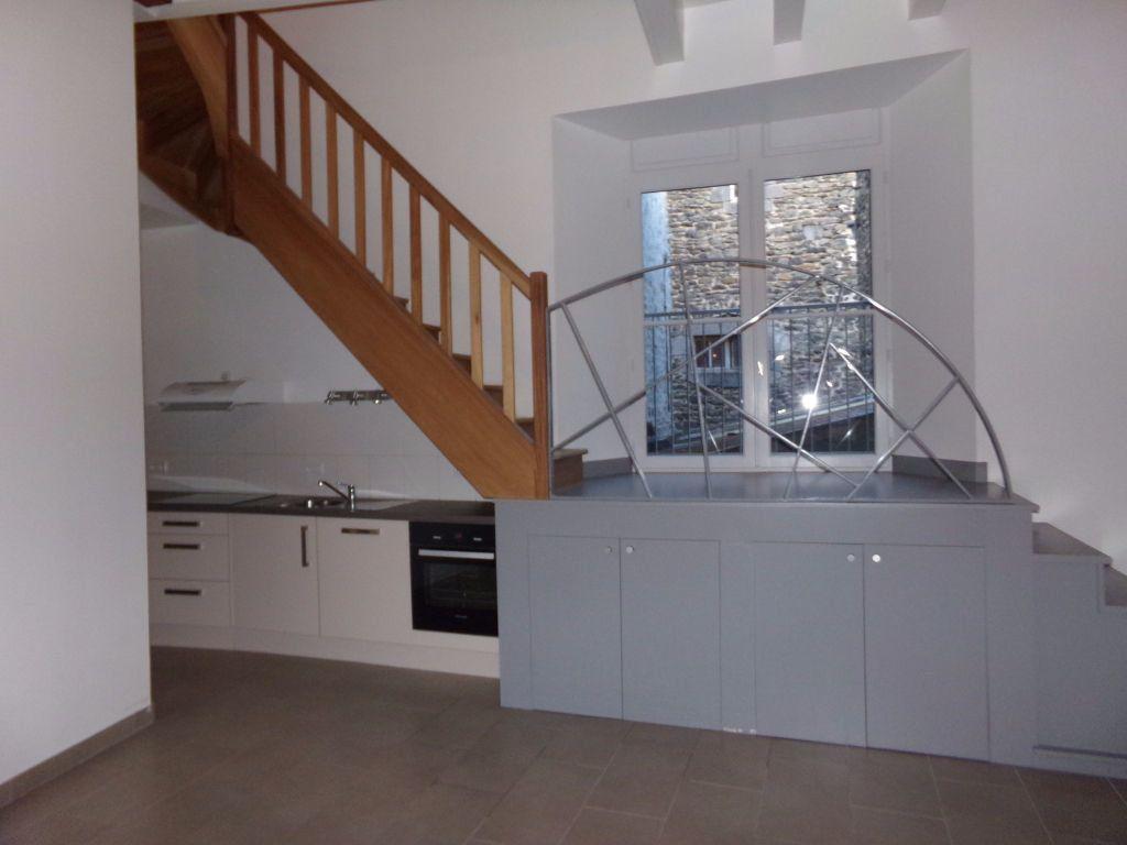 Appartement à louer 4 91m2 à Saint-Flour vignette-1