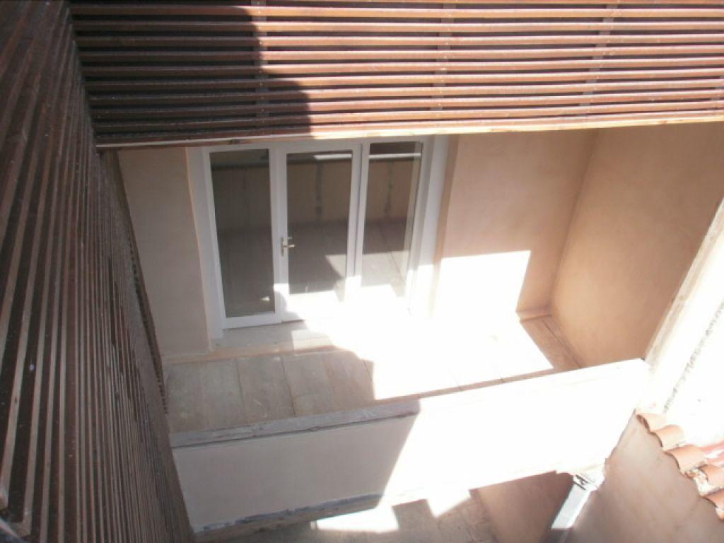 Appartement à louer 4 91m2 à Saint-Flour vignette-4