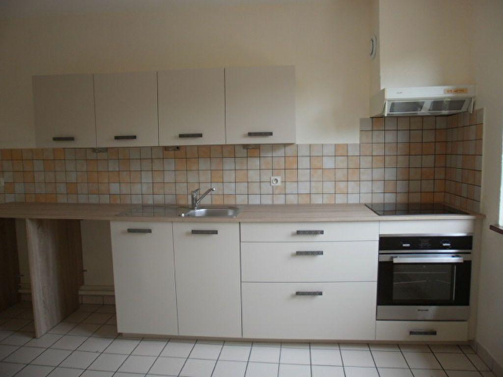 Appartement à louer 4 86m2 à Saint-Flour vignette-1