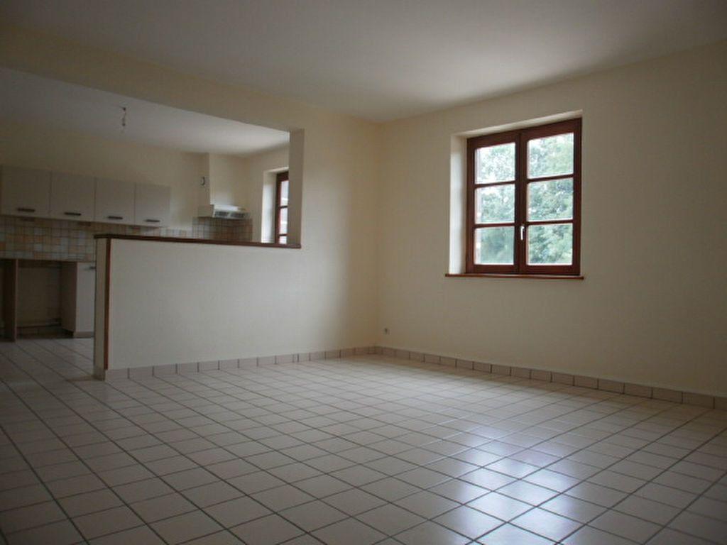 Appartement à louer 4 86m2 à Saint-Flour vignette-2