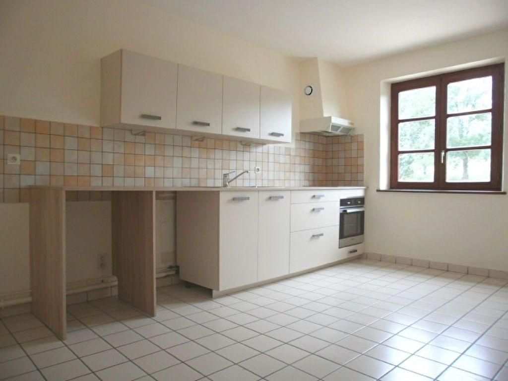 Appartement à louer 4 86m2 à Saint-Flour vignette-5