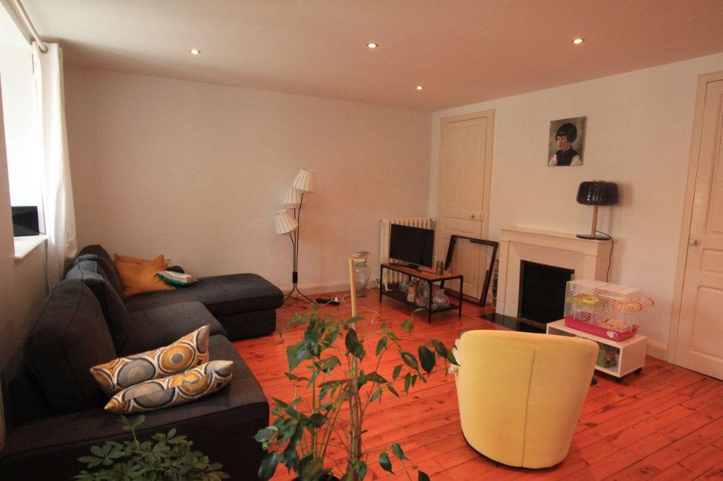 Appartement à louer 4 95.4m2 à Saint-Flour vignette-1