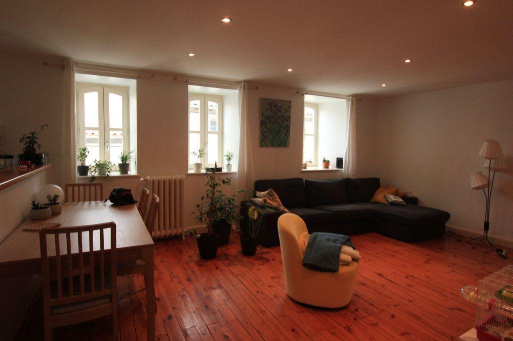 Appartement à louer 4 95.4m2 à Saint-Flour vignette-5