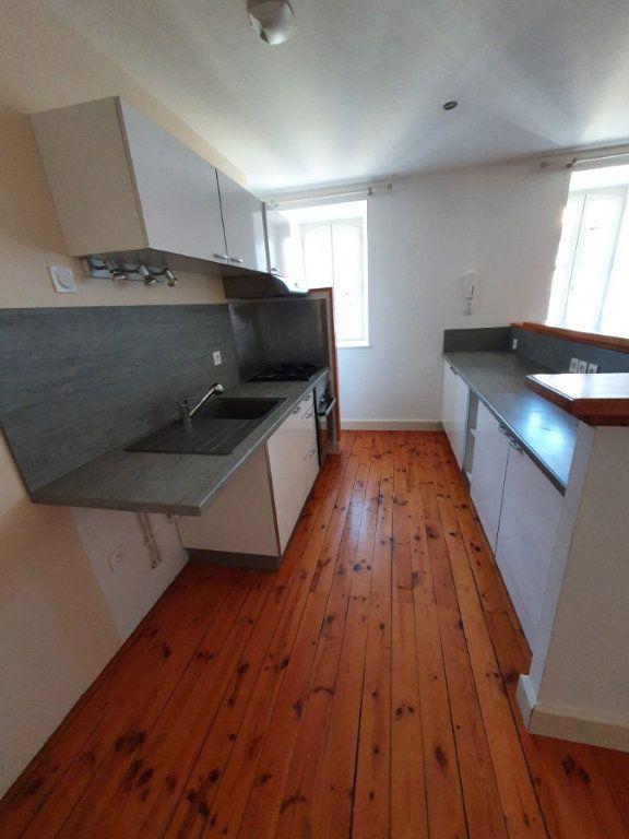 Appartement à louer 4 95.4m2 à Saint-Flour vignette-6