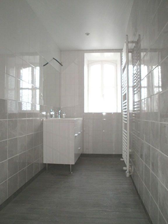 Appartement à louer 4 95.4m2 à Saint-Flour vignette-8