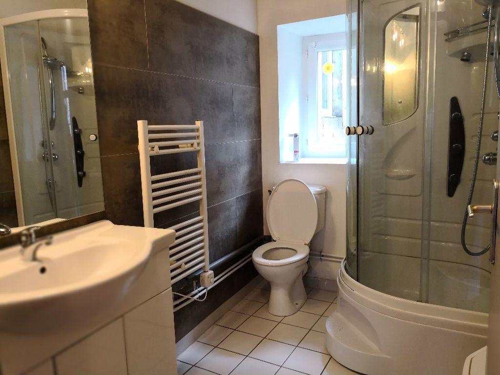 Appartement à louer 1 22.6m2 à Saint-Flour vignette-2