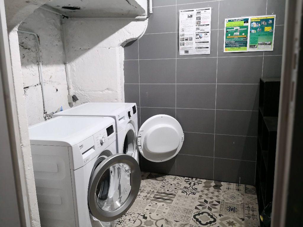 Appartement à louer 1 22.6m2 à Saint-Flour vignette-6