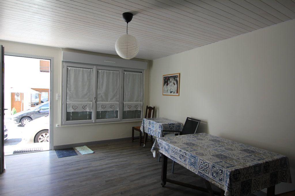 Maison à louer 3 58m2 à Chaudes-Aigues vignette-2