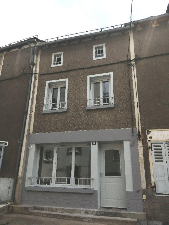 Maison à louer 3 58m2 à Chaudes-Aigues vignette-6