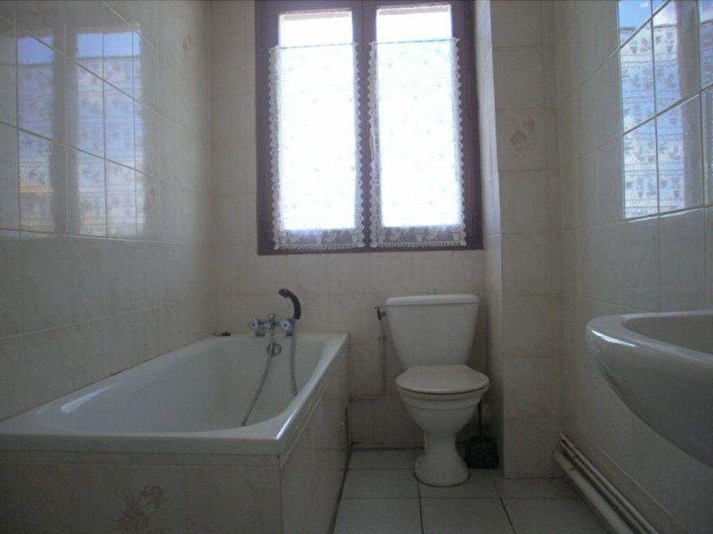 Appartement à louer 1 19.45m2 à Saint-Flour vignette-4