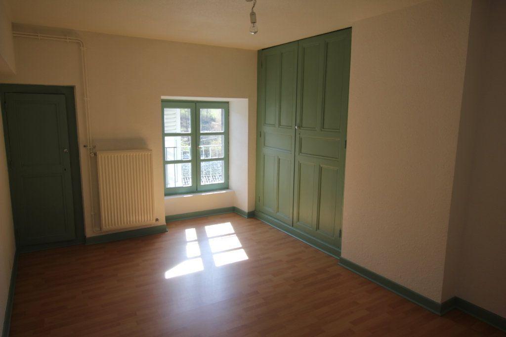 Appartement à louer 3 60m2 à Saint-Flour vignette-3