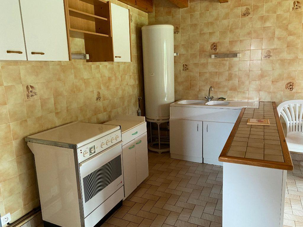 Maison à vendre 16 188m2 à Faverolles vignette-3